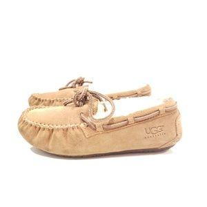 UGG Australia kids size 1 slipper shoes